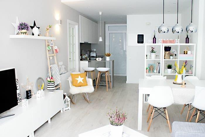 móveis para a decoração da casa alugada.