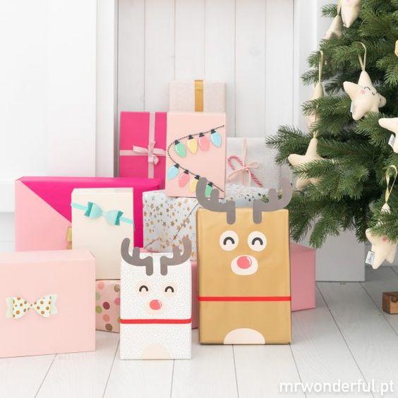 Decoração de natal com presentes.